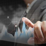 How to Begin a Professional Career as a Financial Analyst