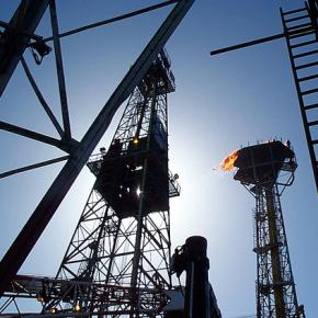 How to Begin a Professional Career as a Petroleum Engineer