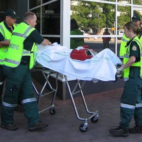 How to Begin a Professional Career as a Paramedic