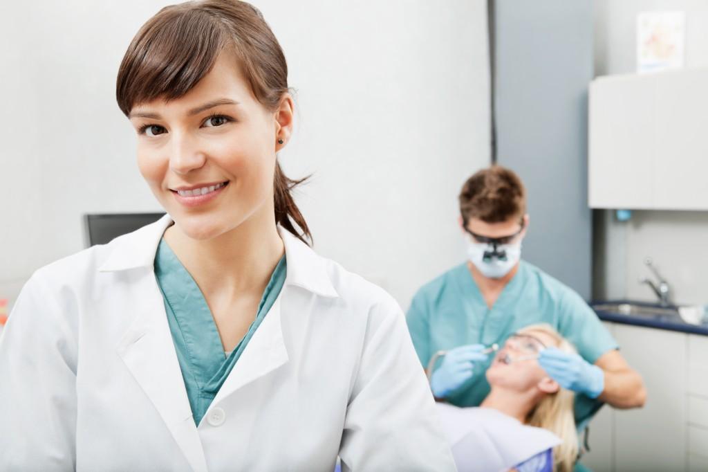 How to Begin a Professional Career as a Dentist