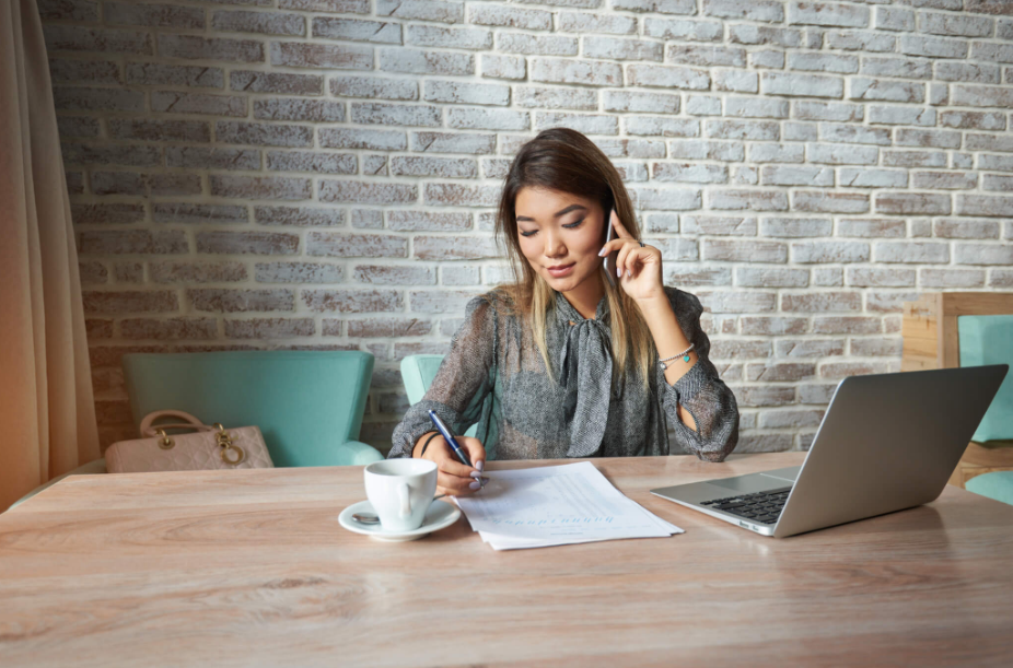 Top 14 Most Common Phone Interview Questions To Expect